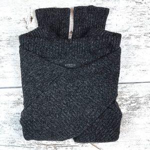 Solemio ~ Crop Top Sweater